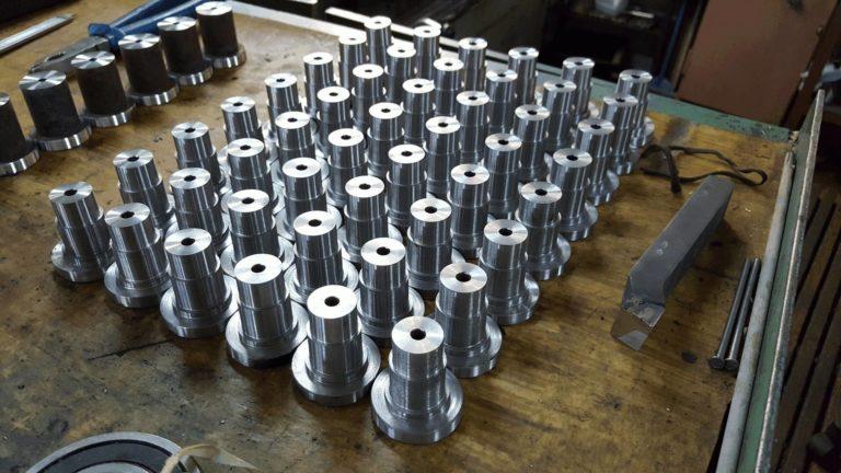 втулки из стали на паллете серийное производство